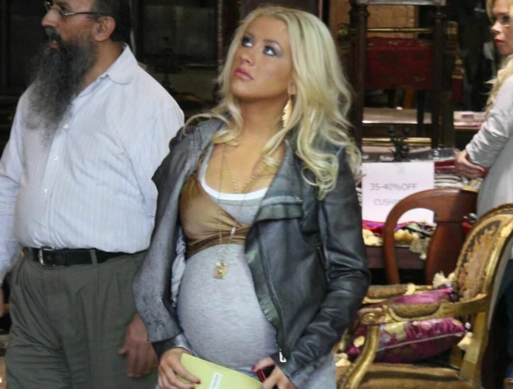 MAMMA MIA: Christina Aguilera er høygravid, og ryktene sier at hun venter en gutt. Foto: Stella Pictures