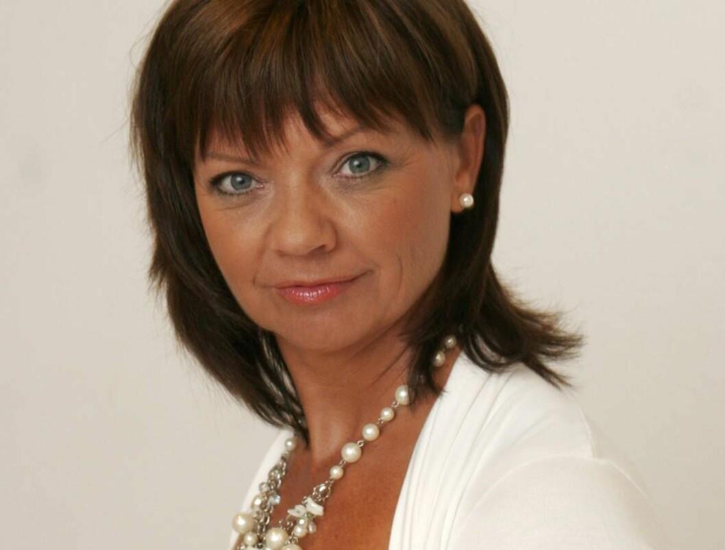"UTEN STEMME: Trine Dehli Cleve slet med stemmen under ""Skal vi danse"". Foto: TV 2"
