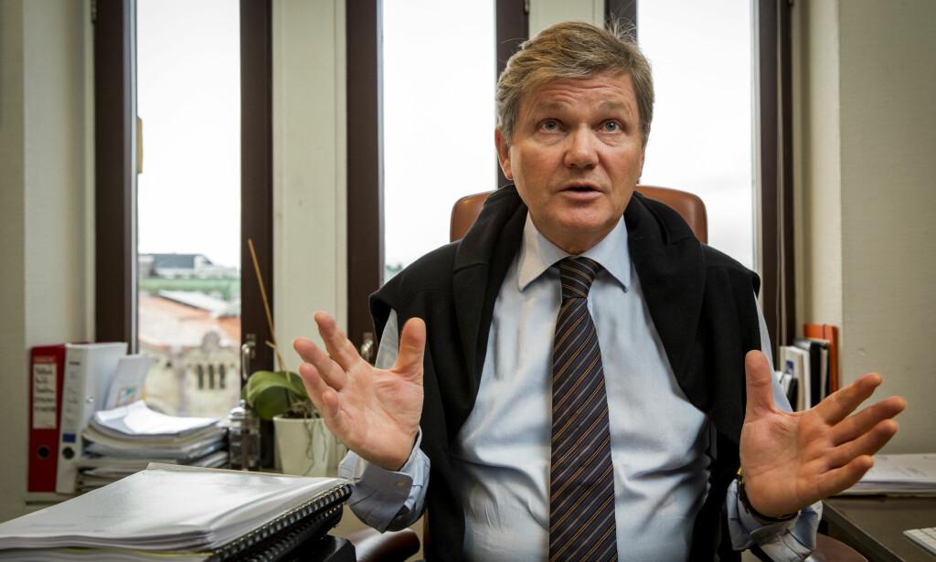 FÅR KRITIKK: Arild Humlen brøt god advokatskikk og får kritikk av Advokatforeningens disiplinærutvalg. Humlen er uenig i avgjørelsen. Foto: Erlend Aas / NTB scanpix