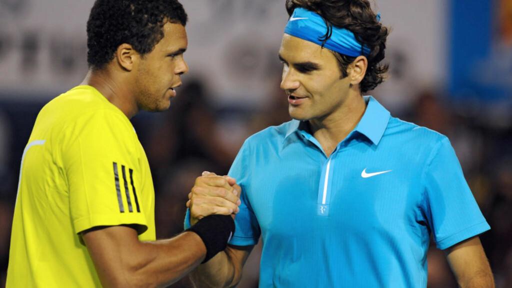 LETT MATCH: Roger Federer hadde ingen problemer med å slå Jo-Wilfried Tsonga i Australia Open. Nå venter Andy Murray. Foto: Paul Crock / AFP.