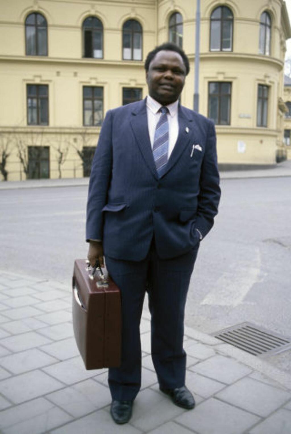 LURTE KONGO-FANGENE: Bløffmakeren Sammy Korir, fotografert her i 1988. Foto;Glen Widing / SCANFOTO