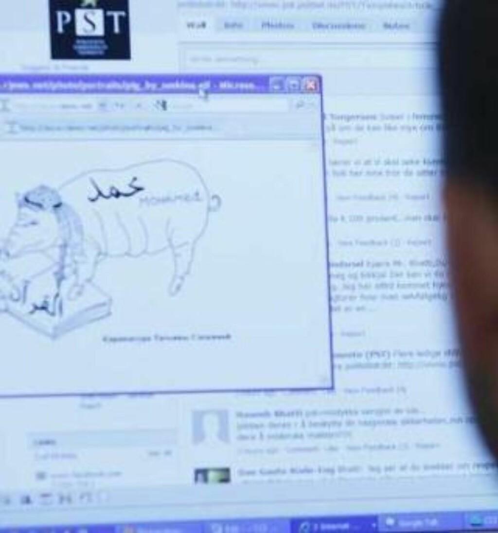 OPPRØRT: Abid Q. Raja sier denne tegningen rev ham i hjertet, ryggmargen og sjelen. Foto: Jon Terje H. Hansen