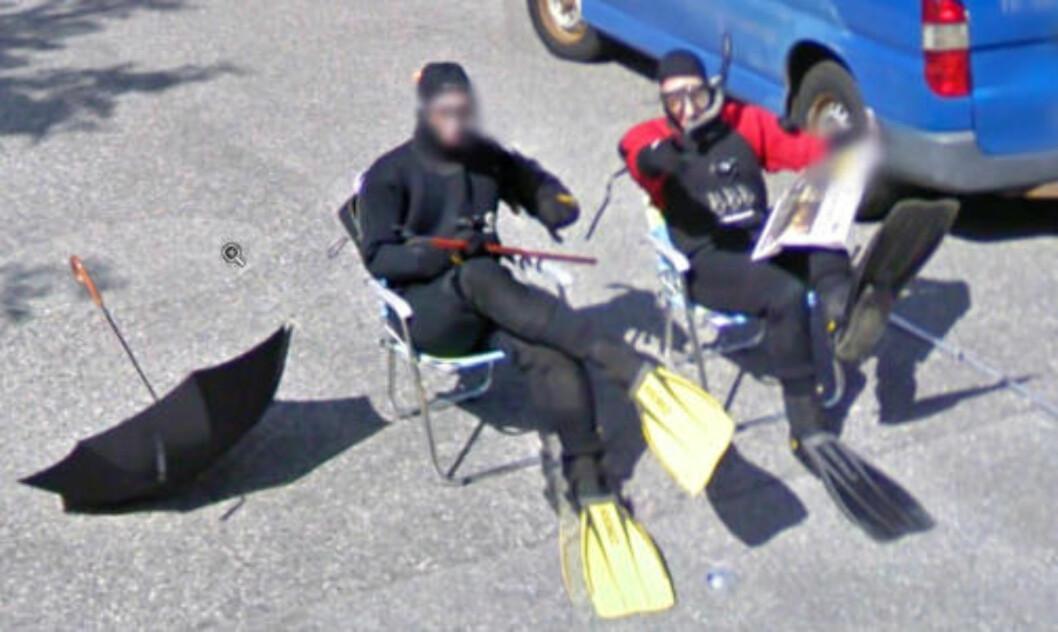 <strong>VENTET:</strong>  De to kameratene ventet over en time på å komme seg med på Google sine gatebilder.
