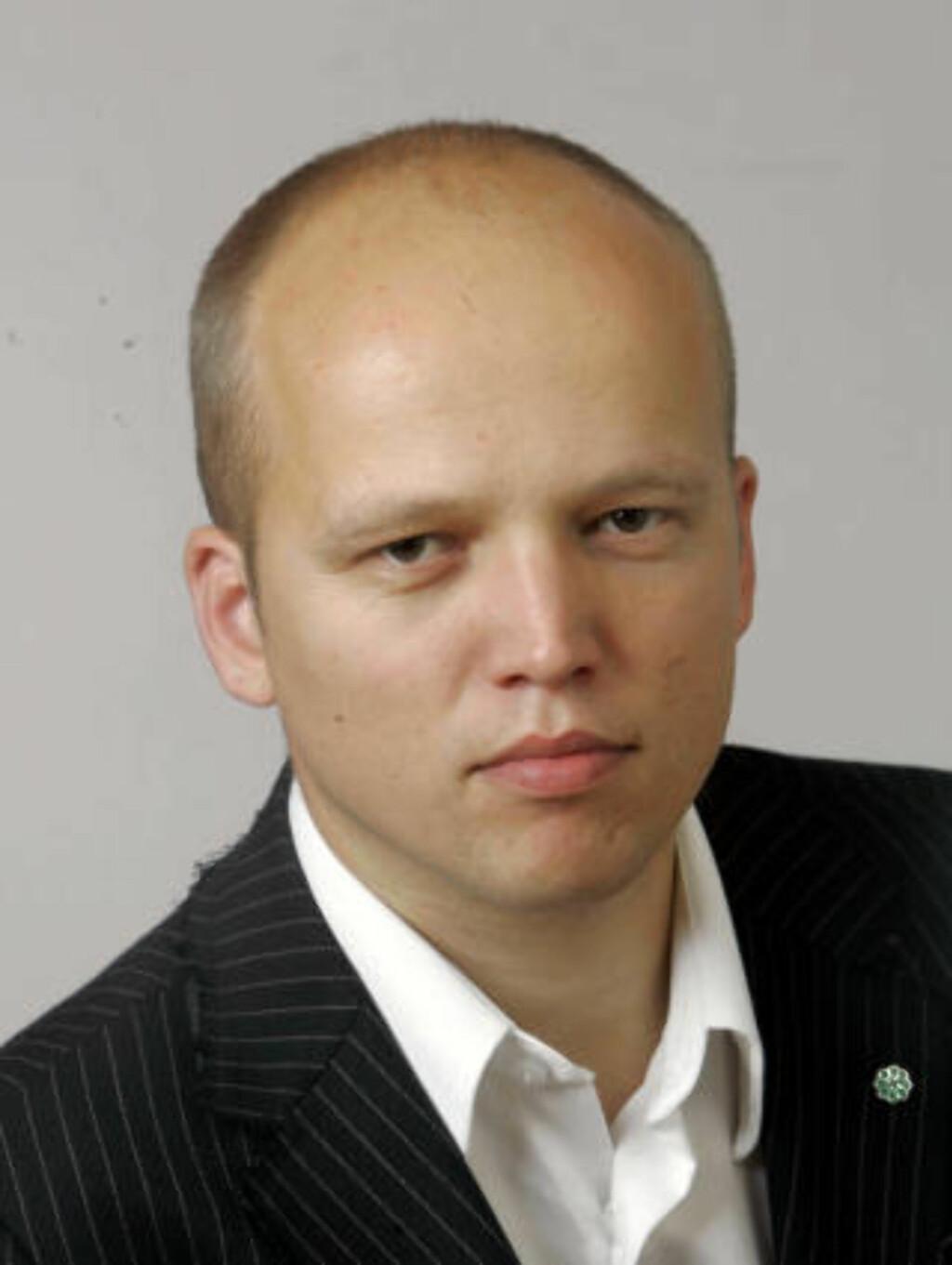 KRITISK: Senterpartiets parlamentariske leder Trygve M. Slagsvold Vedum (SP) mener Dagbladet burde latt være å trykke Muhammed-tegningen 3. februar. Foto: Knut Falch/ SCANPIX