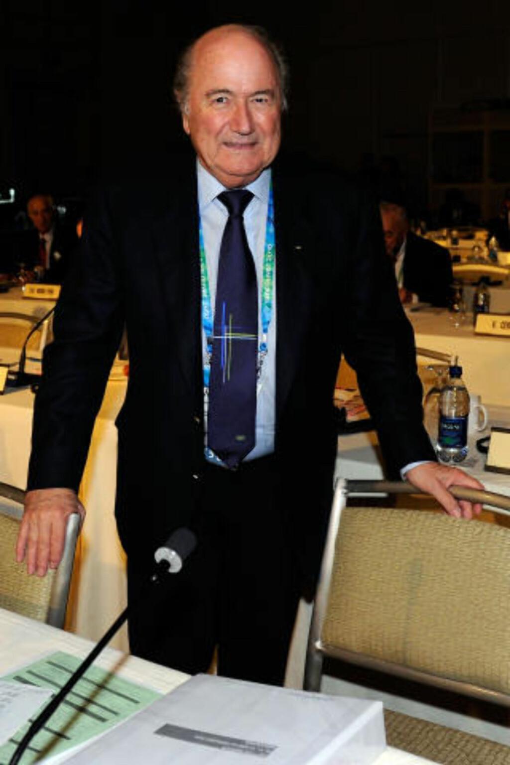 I VANCOUVER: Sepp Blatter mener John Terry ville ha blitt applaudert hvis han hadde vært fra et latinsk land. Foto: AFP
