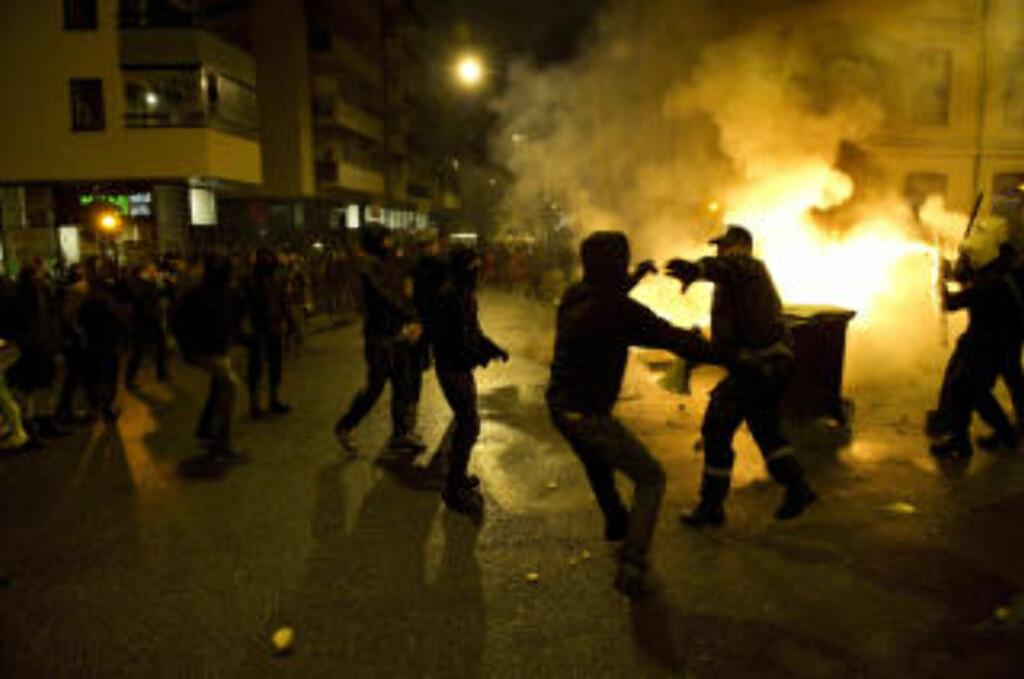 VOLDSOMME SCENER:Demonstrantene markerte sin motstand mot Oslo kommunes utkastelse av husokkupantene i Hausmannsgate 42. Foto: Øistein Norum Monsen