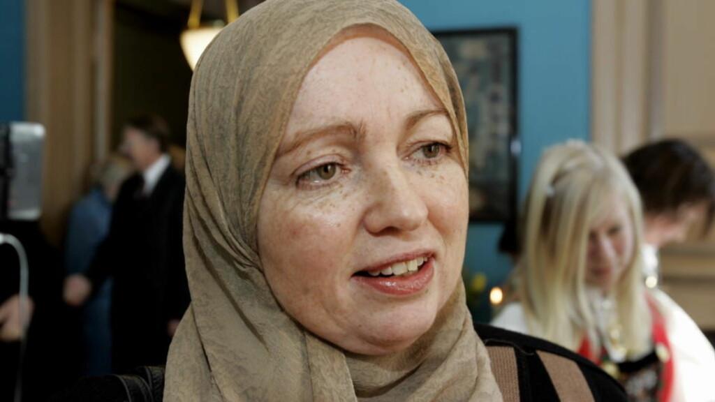 OSS OG DEM: Demonstrasjonen mot Dagbladet i går fremsto nok for nordmenn som eksotisk, og appellene må sees på som et tegn på at muslimene ser på seg selv som «oss» og nordmenn og norske myndigheter som «de andre», skriver Lena Larsen.  Foto: Frank Karlsen / Dagbladet