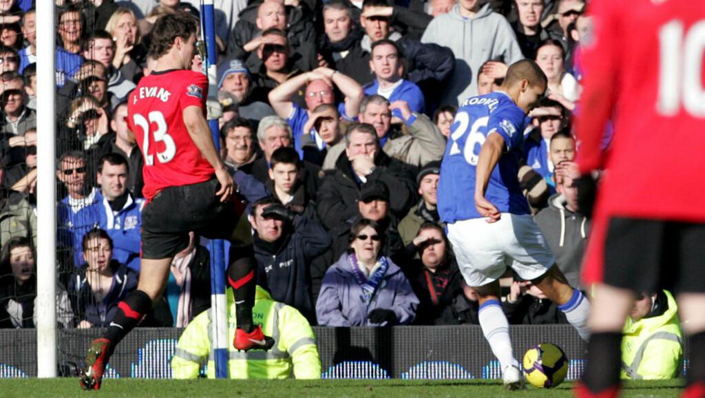 UNG MATCHVINNER: Jack Rodwell kom inn helt på slutten av kampen og punkterte møtet mellom Everton og Manchester United med 3-1-målet.  Foto: Tim Hales, AP/Scanpix