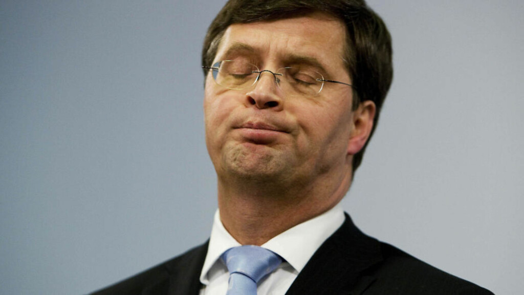 GÅR AV:  Statsminister  Jan Peter Balkenendes regjering falt sammen over spørsmålet om troppene skulle kalles tilbake fra Afghanistan.  Foto: SCANPIX/AFP
