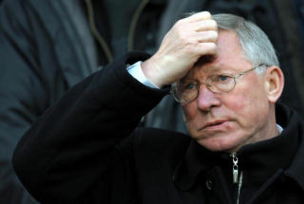 DRATT INN I AVISSKANDALE: Sir Alex Ferguson var blant kjendisene som hadde lagt igjen meldinger på fagforeningsleder Gordon Taylors mobiltelefon. Foto: AFP PHOTO/ANDREW YATES/SCANPIX