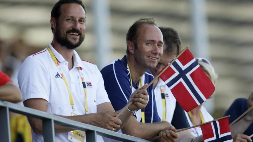 PÅ TUR:  Statsrpd Trond Giske og kronprins Haakon på kajakkfinale under OL i Beijing i 2008. Nå skal de møtes oftere på hjemmebane. FOTO: ERIK JOHANSEN, SCANPIX.