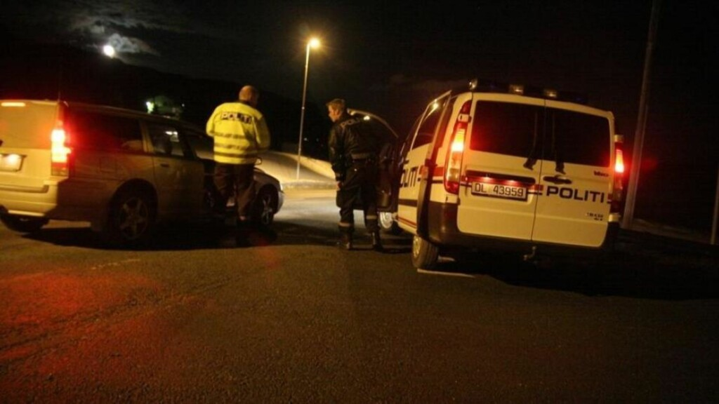 ETTERLYSER FLERE VITNER: Ifølge politiet ble mannen i 30-årene stoppet i en rutinekontroll på E6 i går. Etterforskerne er interessert i å komme i kontakt med andre som ble stoppet i den samme kontrollen i går kveld. Foto: TOR AAGE HANSEN