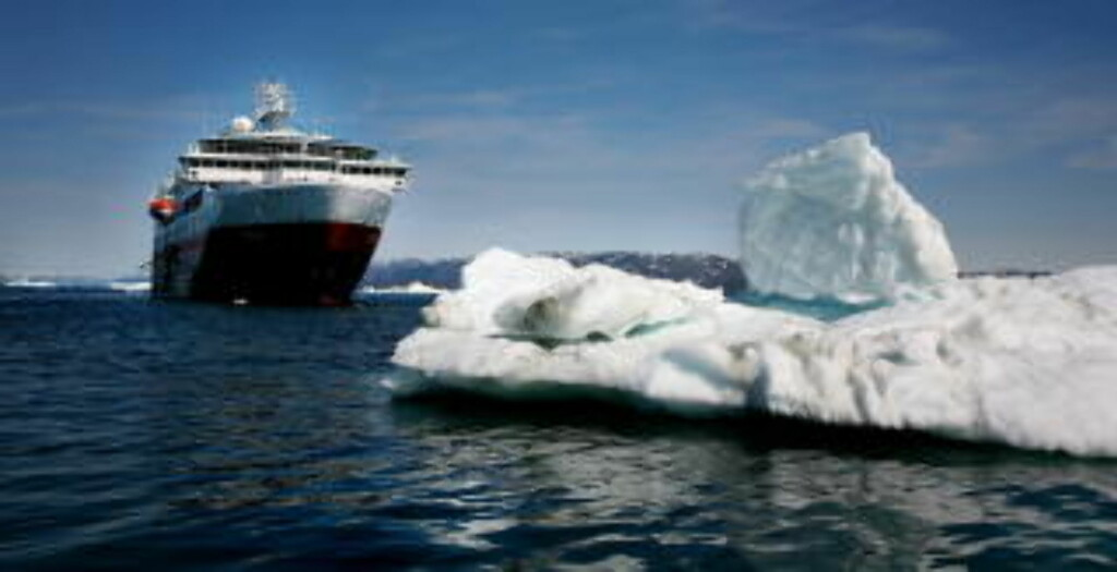 CRUISE: Hurtigruta Fram på tur til Grønland helt uten norsk vin. Foto: Odd Roar Lange.