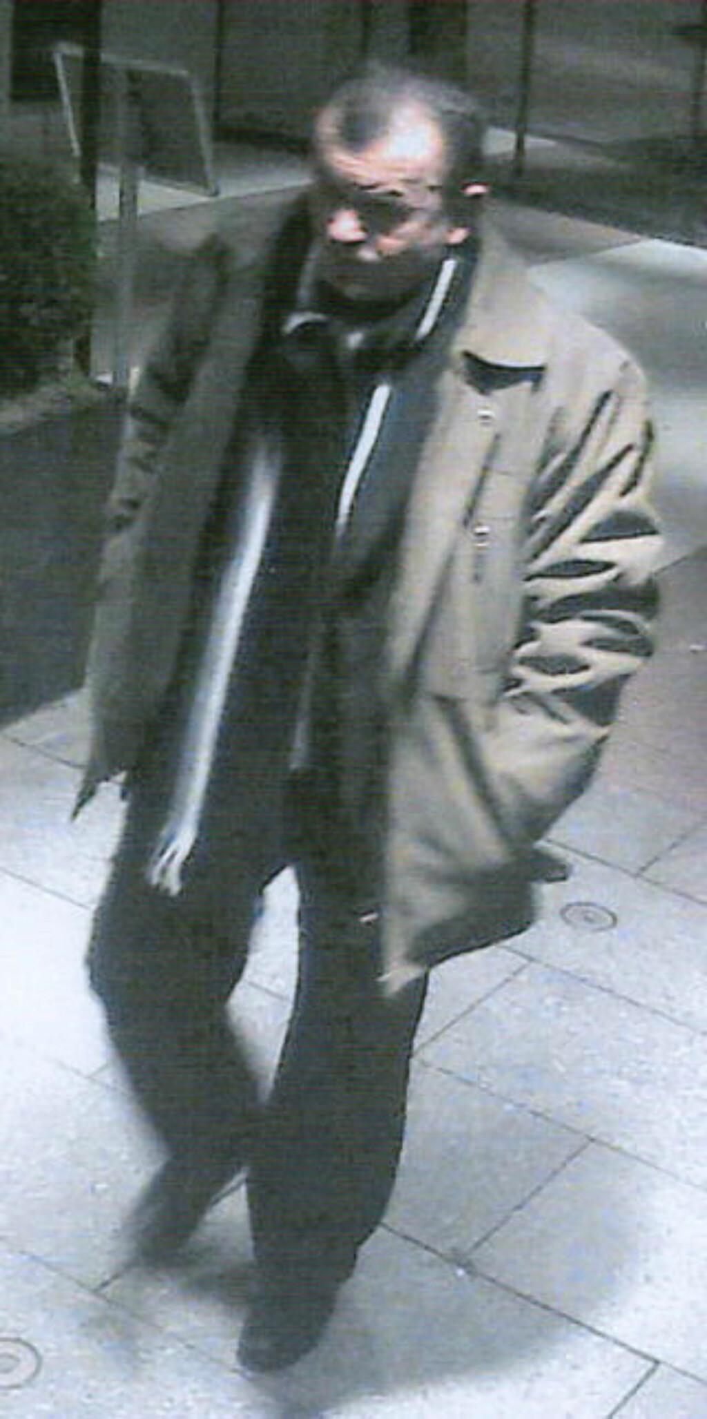 AVSLØRT: Dette er ett av mange overvåkningsbilder fra SAS-hotellet som gjorde at politiet kunne knytte Clita til drapshandlingen. Foto: Politiet