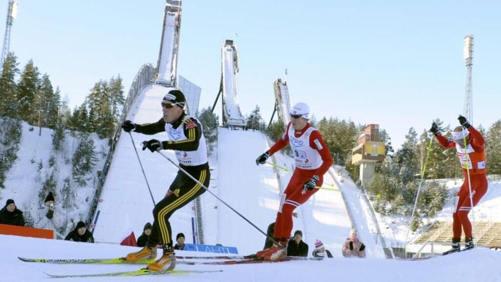 DOBBELT: Tyske Tim Tschranke gikk først inn på stadion i Lahti, men Kristian Tennemo og Tord Asle Gjerdalen gjorde til slutt opp om seieren. Tennemo trakk det lengste strået.Foto: SCANPIX/EPA/Markku Ojala