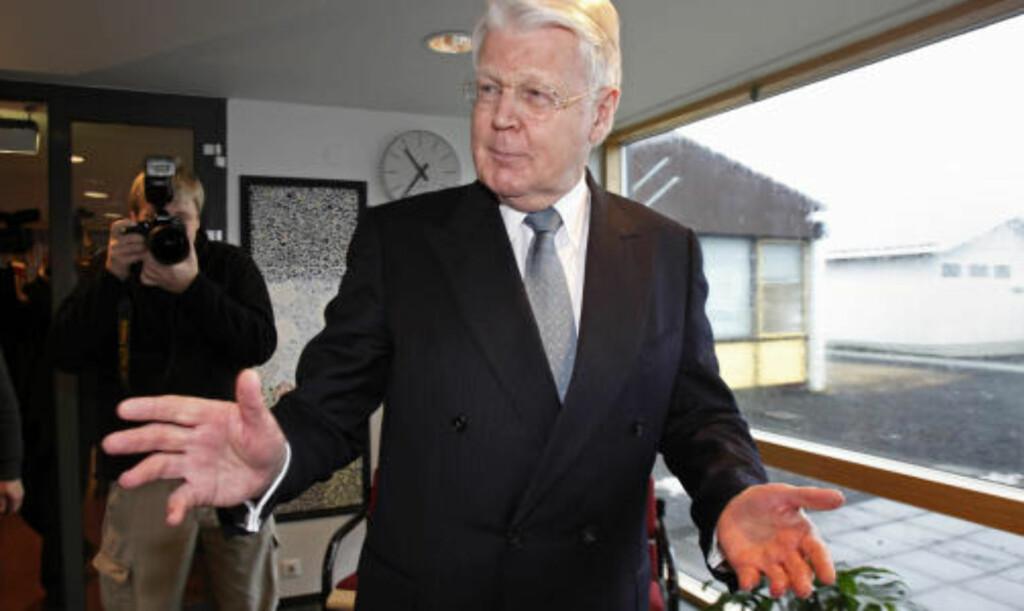 SPILLER BALLEN TIL BROWN: Islands president Ólafur Ragnar Grímsson er fornøyd med lørdagens folkeavstemning og sier det nå er opp til britenes statsminister Gordon Brown å ta tak i Icesave-saken. Foto: REUTERS / Bob Strong / SCANPIX