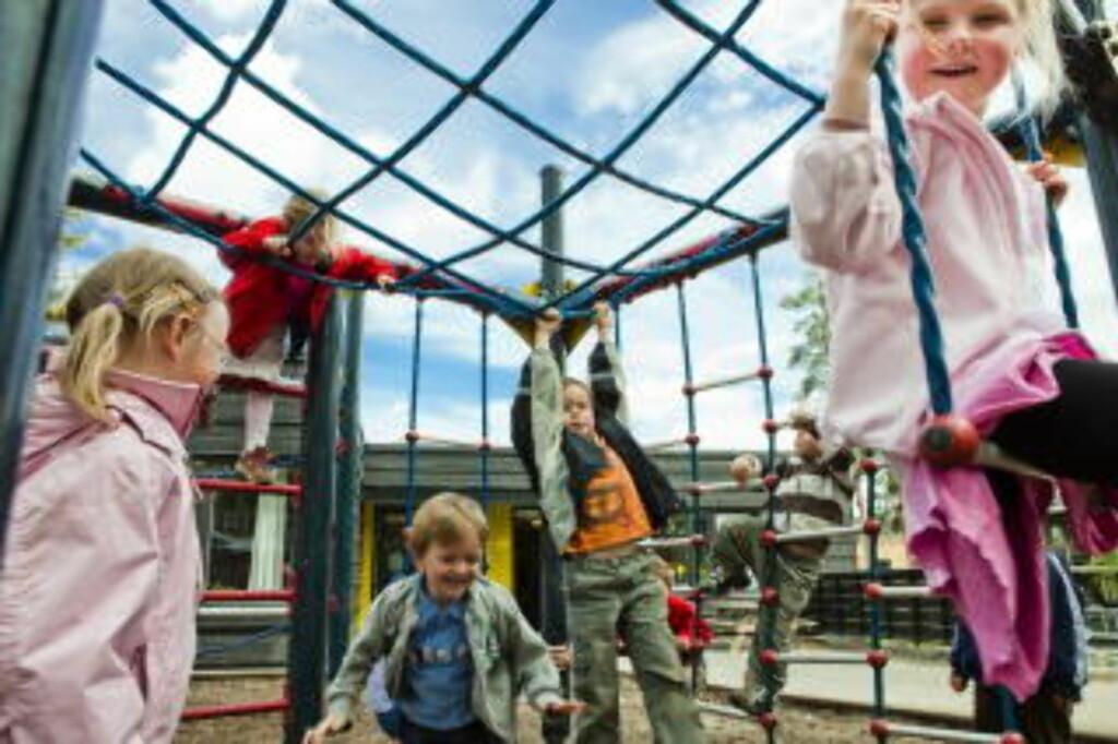 KAN BLI STRESSA: Høgskolelektor Brit Nordbrønd frykter at barna skal bli stressa av all testingen. Foto: Nina Hansen