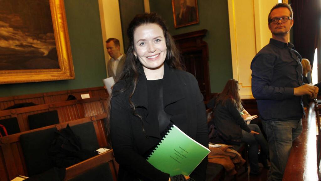 PÅ VEI TIL HØYESTERETT: Skuespiller Gørild Mauseth har sørget for at navnet hennes for all fremtid er tjoret fast til scenen hun ikke ville skulle vises. Foto: SCANPIX
