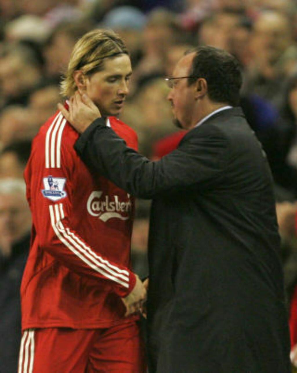 TOMÅL-TORRES: Rafael Benitez tok ut både Fernando Torres og Gerrard i 2. omgang, trolig for å spare stjernene til torsdagens Lille-møte. Foto: AP/Tim Hales