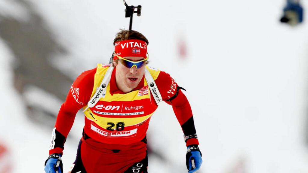 TREDJEPLASS: Emil Hegle Svendsen bommet to ganger, på første og siste skyting, og tok tredjeplassen på skiskytterjaktstarten i Kollen. Franske Martin Fourcade vant igjen. Foto: Kyrre Lien / Scanpix