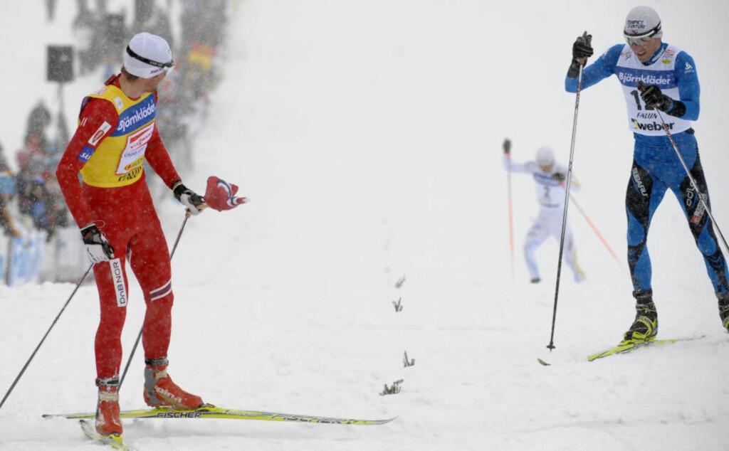 GOD TID: Petter Northug brukte så lang tid på oppløpet i Falun at han kunne få med seg franske Manificat, og nesten Marcus Hellner også, over mål.Foto: SCANPIX/REUTERS/Anders Wiklund/