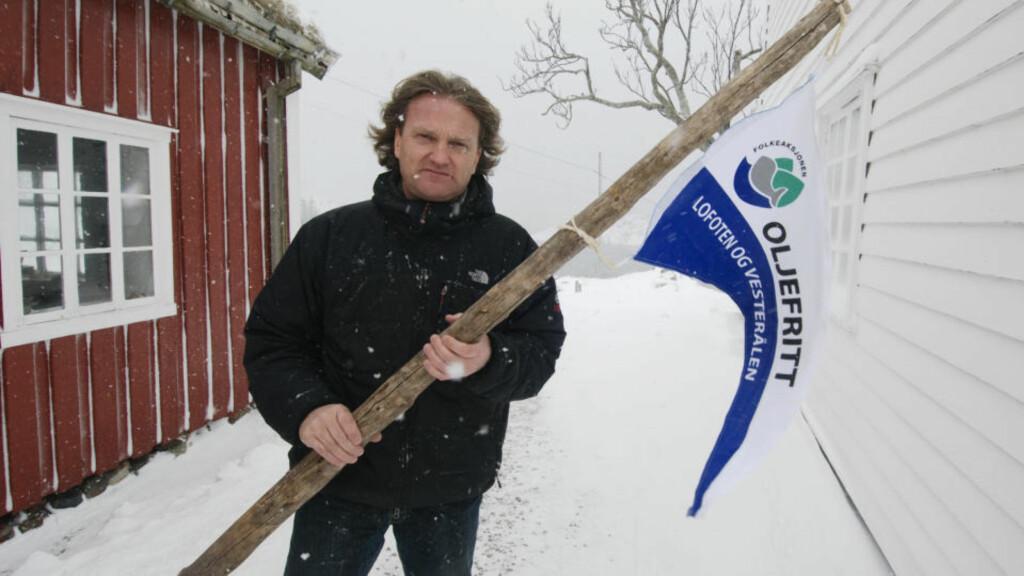 OLJEFRI SONE: Even Carlsen, næringslivsmann fra Steine i Lofoten, er en av mange private som nå erklærer sine egne eiendommer for oljefriesoner i Lofoten og Vesterålen. Foto: John Stenersen