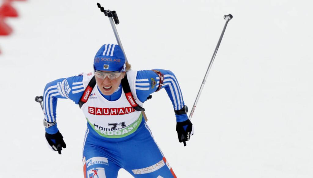 FØRSTE VERDENSCUPSEIER: Russiske Jana Romanova tok sin første verdenscupseier i karrieren da hun gikk til topps på sprinten i Khanty-Mansijsk. Foto: Kyrre Lien / Scanpix