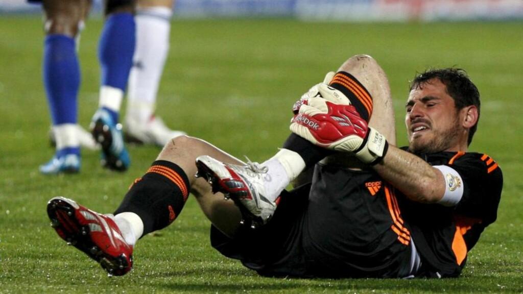 FORÆRTE GETAFE REDUSERINGEN: Iker Casillas tabbet seg ut og fikk svi for det da Getafe scoret. Men etterpå var Real Madrid-keeperen fly forbannet på det han mente var usportsligheter fra målscorer Dani Parejo. Foto:    EPA/SERGIO BARRENECHEA