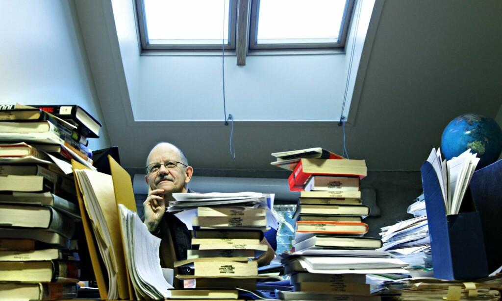 OPUS MAGNUM: Nils Petter Gleditsch har hatt en stabil tilstedeværelse på PRIO i alle år. I dag foreligger hans opus magnum med oppsummering av vel 50 års forskning. Foto: NTB Scanpix