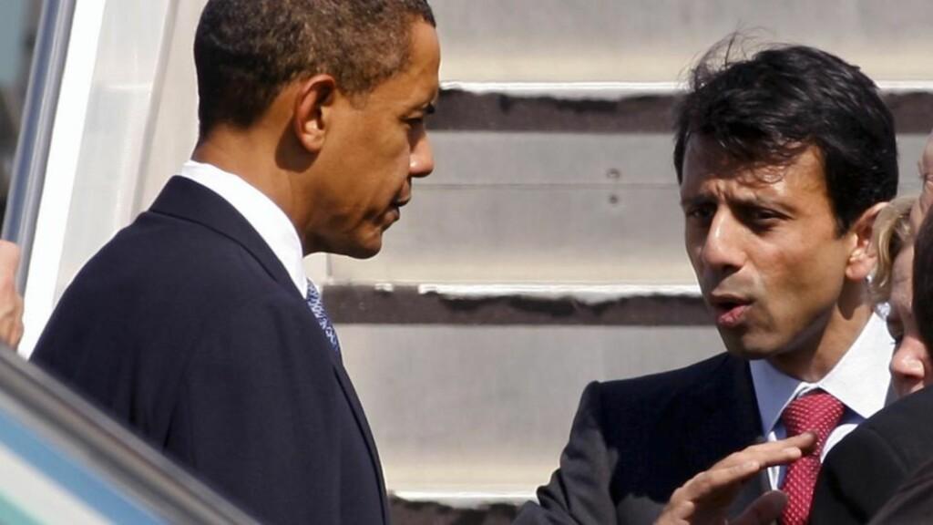 TRUET: Louisiana-guvernør Bobby Jindal, her i samtale med president Obama. Foto: AP/Scanpix