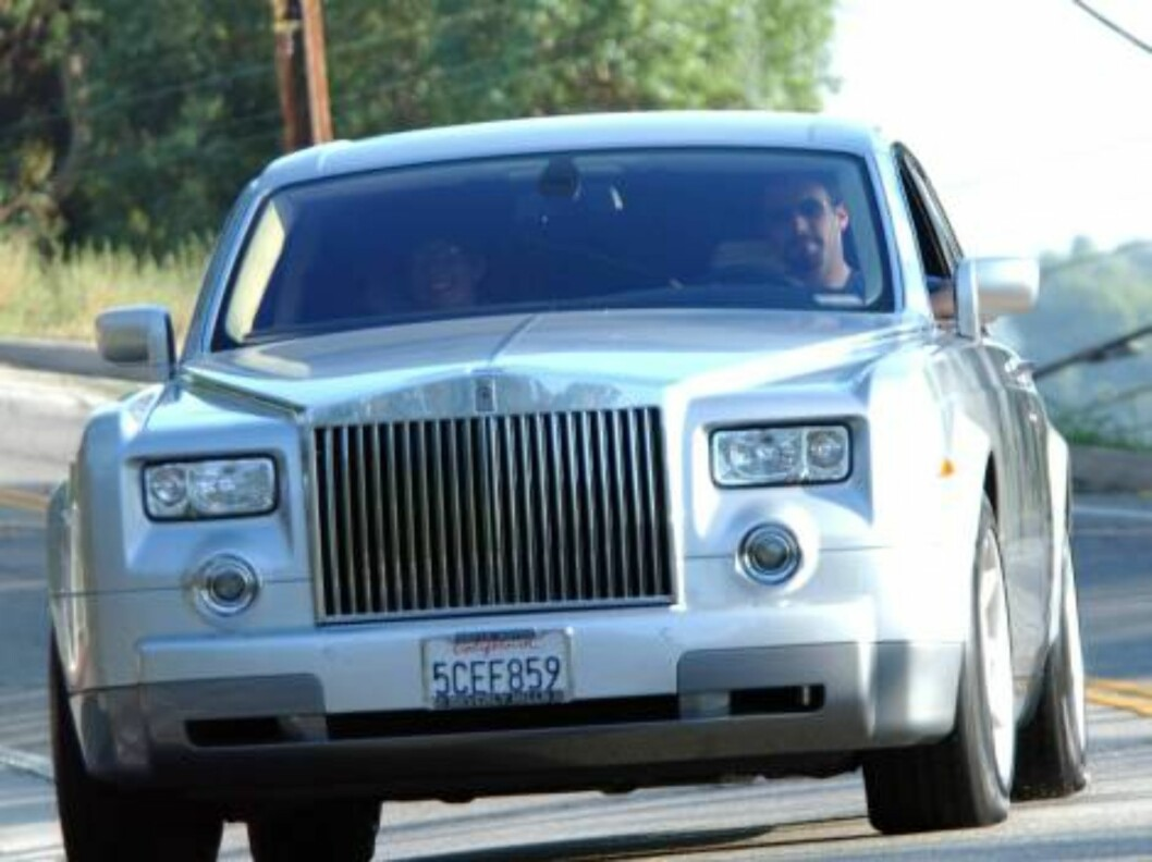Ben Affleck the day his breakup with girlfriend Jennifer Lopez is announced going out from Jennifer Lopez's house  in his Rolls Royce. He will eat at Baja Fresh restaurant in the San Fernando Valley. September 14 2003 Exclusive X17agency / ALL OVER PRES Foto: All Over Press