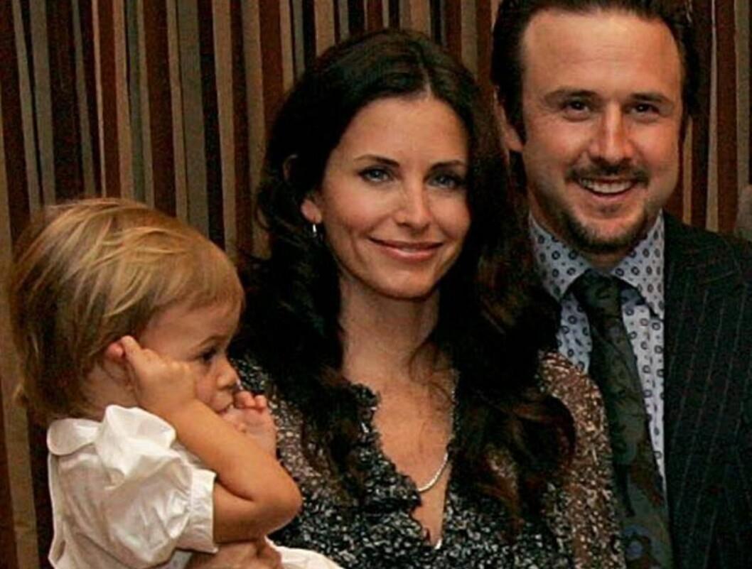 <strong>LITEN FAMILIE:</strong> Courteney og ektemannen David ønsker at lill Coco skal få søsken. Foto: All Over Press