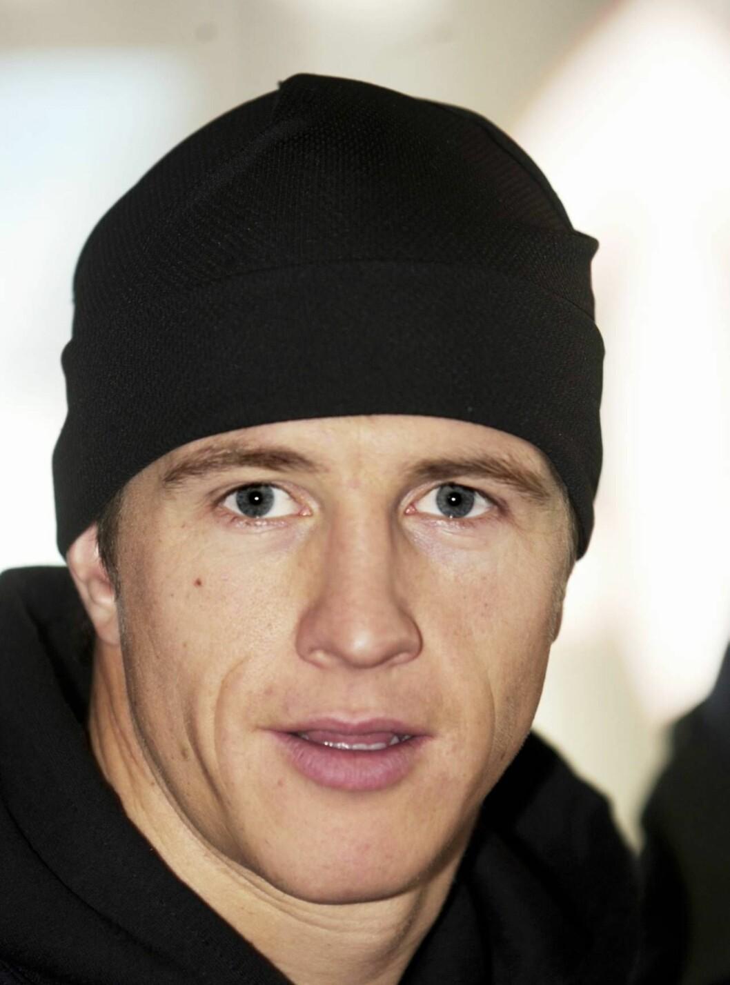 <strong>I NABOKRANGEL:</strong> Terje Håkonsen er en av verdens største snøbrettstjerner. Nå skaper han oppstyr, på rullebrett. Foto: SCANPIX