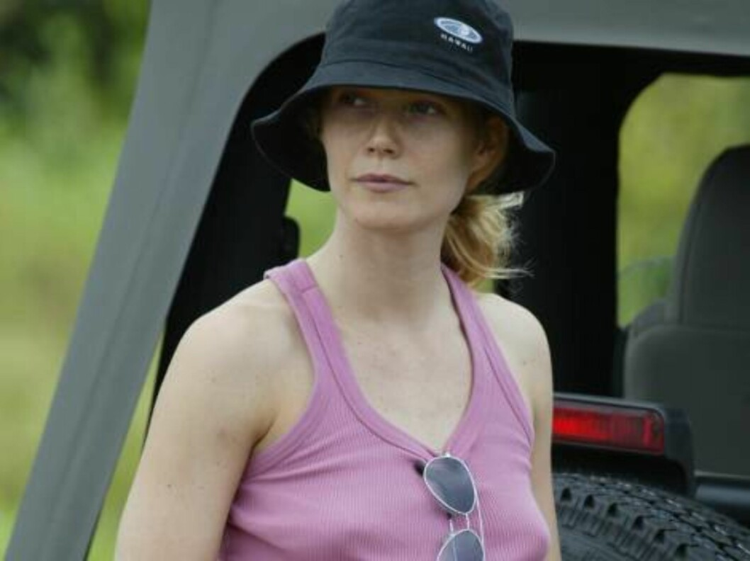 Gwyneth Paltrow in Hawai Kauai may4 2003 stopping her Jeep on the road to admire the landscape Exclusive X17agency / ALL OVER PRESS Foto: All Over Press