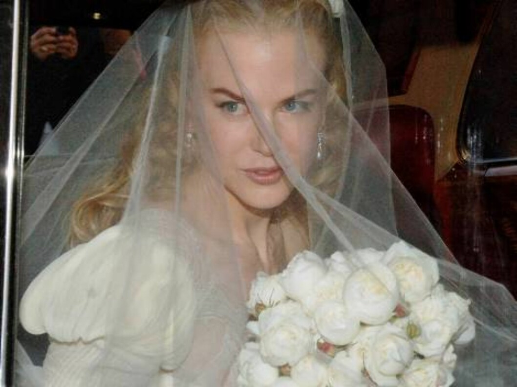 Australian actress Nicole Kidman leaves her home on her way to her wedding to marry Australian country singer Keith Urban in Sydney, Sunday, June 25, 2006. It is expected that some 230 guests will attend the late afternoon nuptials at Sydney's Cardinal Ce Foto: AP/Scanpix