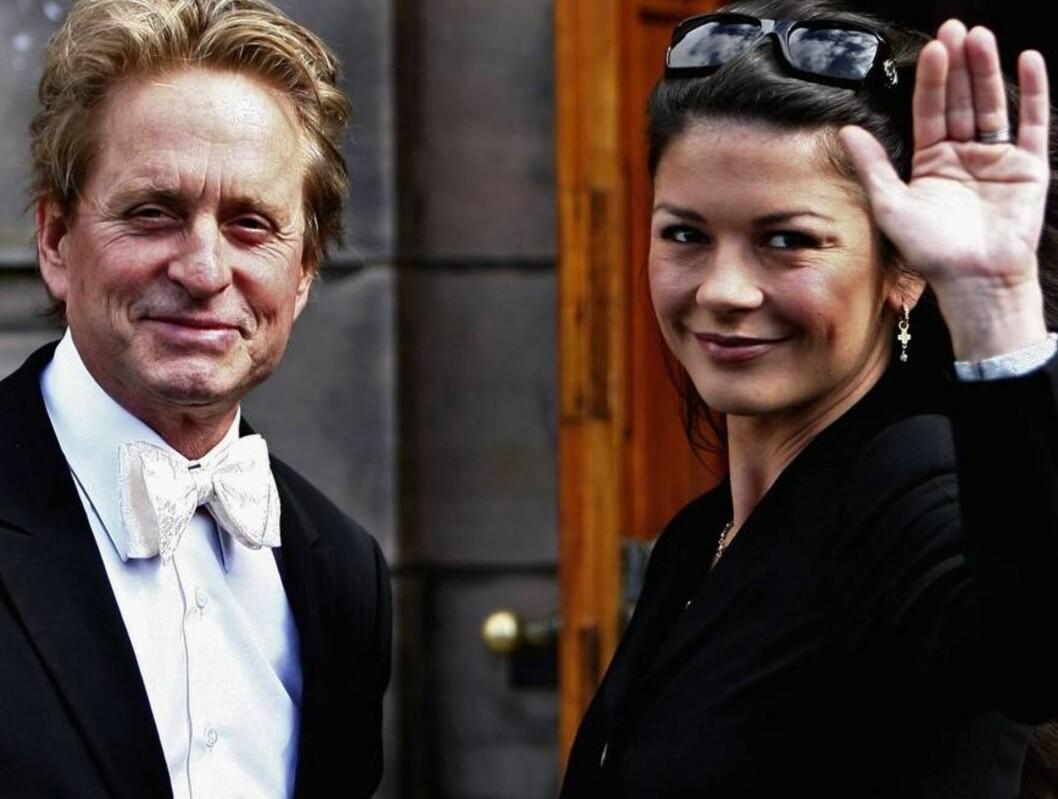 <strong>STOLT:</strong> Michael Douglas ble utnevnt til æresdoktor. Catherine er stolt på mannens vegne. Foto: All Over Press