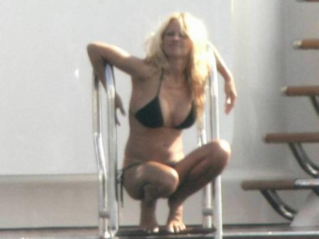 <strong>SKAPTE BØLGER:</strong> Blondinen ser ut til nyte sommeren i fulle drag. Foto: Stella Pictures
