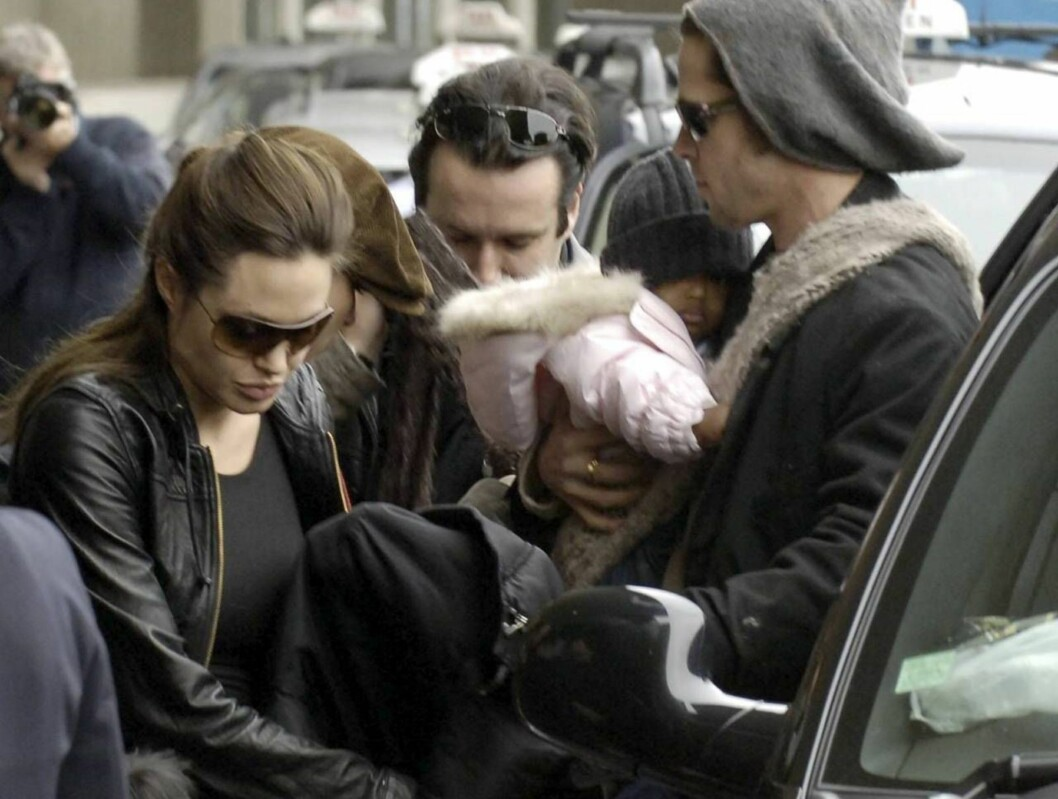 STOR ETTERSPØRSEL: Angelina og Brad har bestemt at pengene fra babybildene skal gå til et veldedig formål for å unngå at paparazziene tjener seg rike. Foto: All Over Press