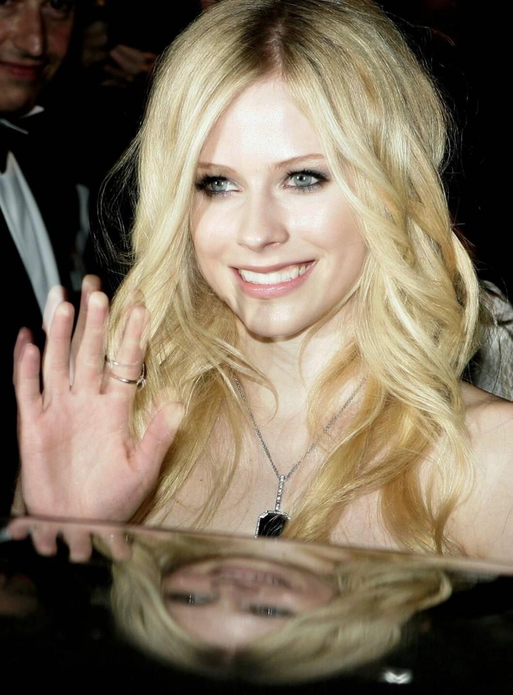 SAYONARA: Avril vinker farvel til livet som rockestjerne. Nå vil hun til filmen! Foto: All Over Press
