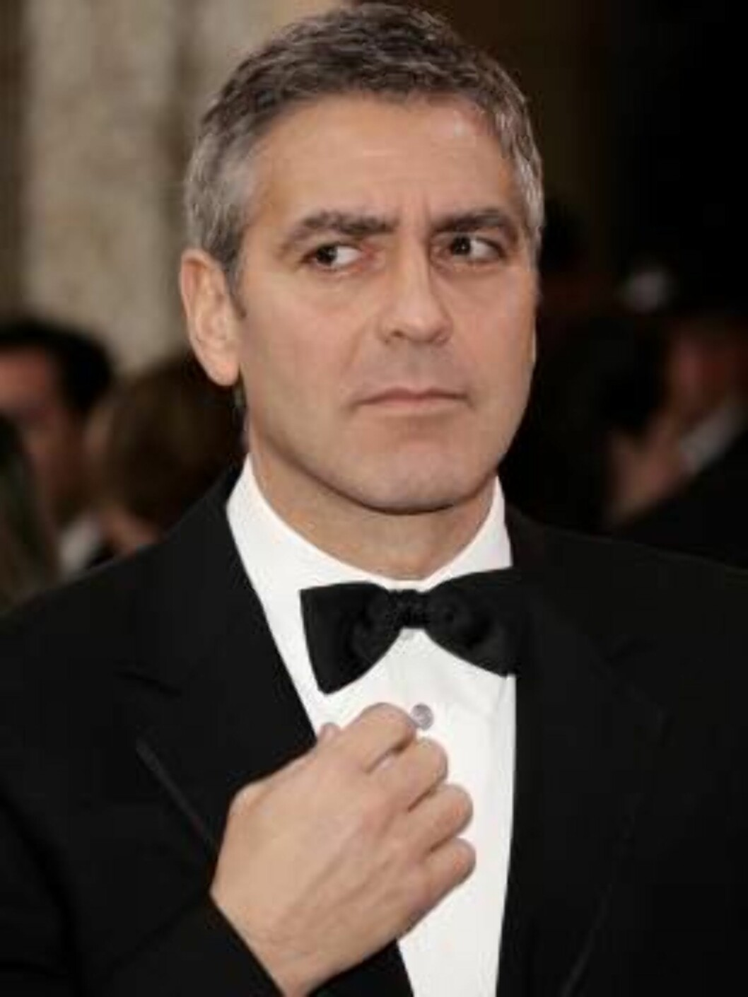 HOLLYWOOD - MARCH 05:  Oscar nominee George Clooney arrives at the 78th Annual Academy Awards at the Kodak Theatre on March 5, 2006 in Hollywood, California.  (Photo by Vince Bucci/Getty Images) *** Local Caption *** George Clooney  * SPECIAL INSTRUCTIONS Foto: All Over Press