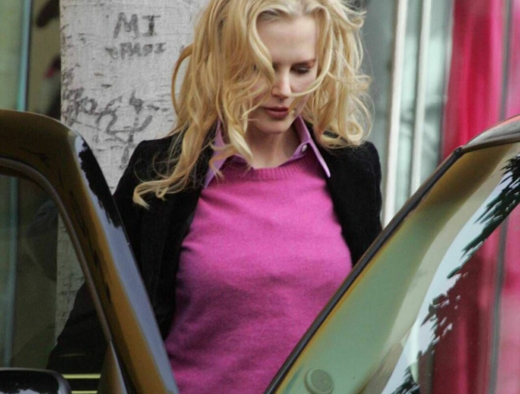 "Code: X17XX8 - Blanco, Beverly Hills, USA, 27.04.2005: ""Bewitched"" star Nicole Kidman enjoys a sunny Los Angeles afternoon while shopping on Robertson Boulevard in Beverly Hills.  Wonder if the ex-wife of Tom Cruise was thinking about today's reports that Foto: All Over Press"
