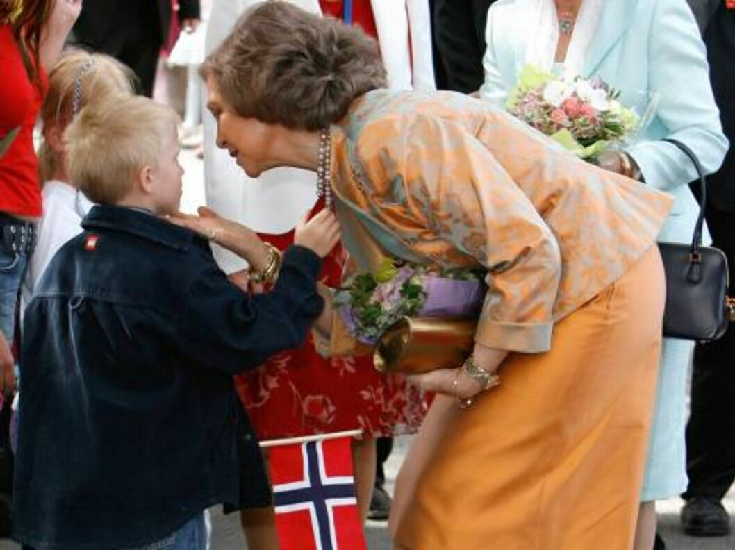 King Juan Carlos and Queen Sofia of Spain State Visit to Norway.  Visit to the Ulleval University Hospital with Queen Sonja. Picture: UK Press Foto: All Over Press
