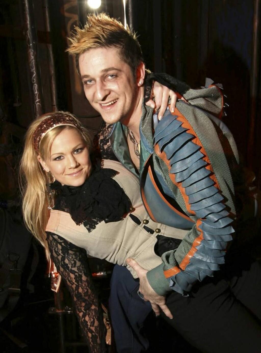 Tøft par: Hans Marius spiller badboy i West Side Story, men er snill tøffel hjemme påstår Maria. Foto: Morten Krogh