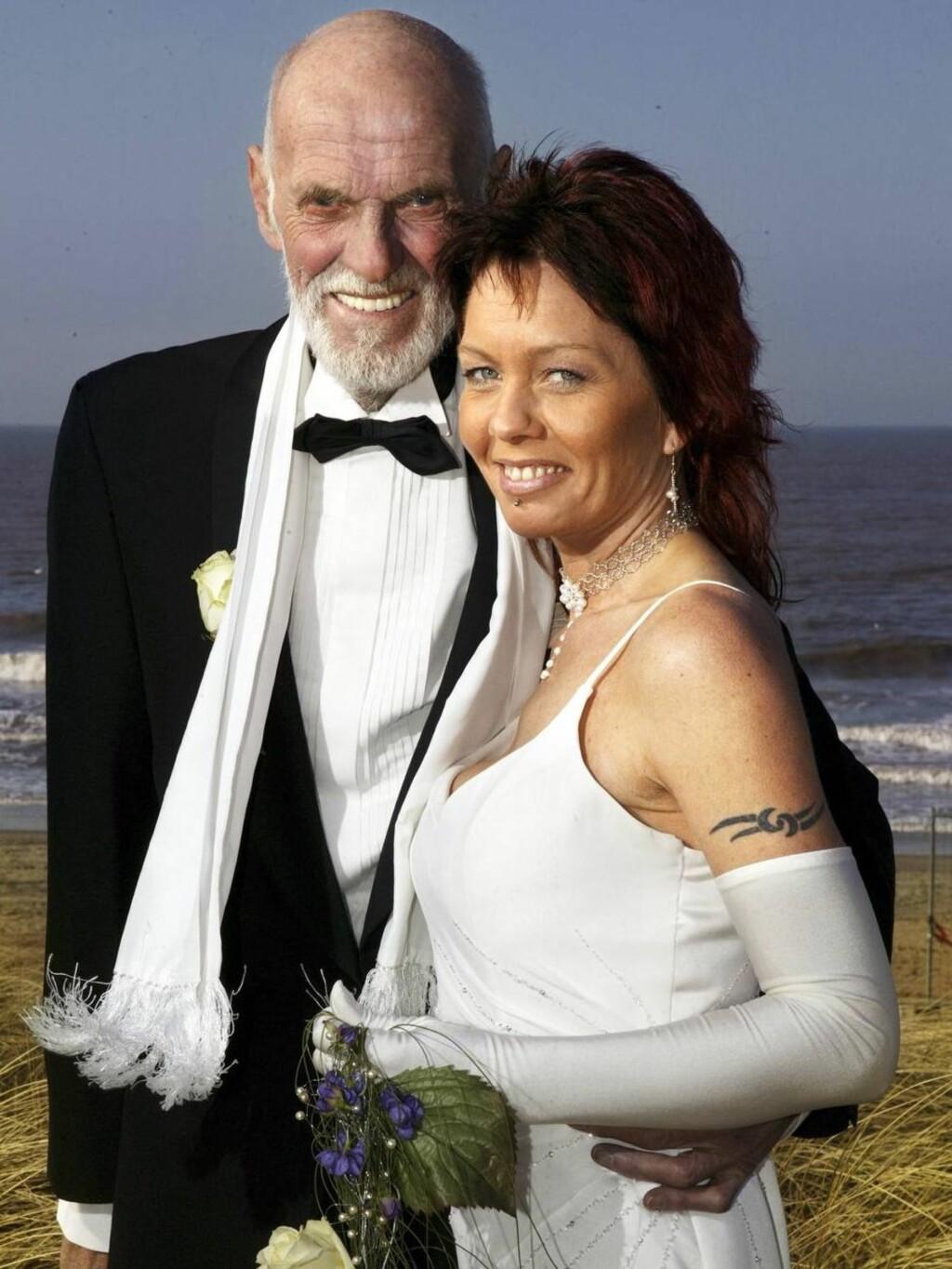 SEPARERT: 11. mars i fjor giftet Sven O. Høiby seg med eks-stripperen Renate. Men ekteskapet varte bare i tre måneder Foto: Se og Hør