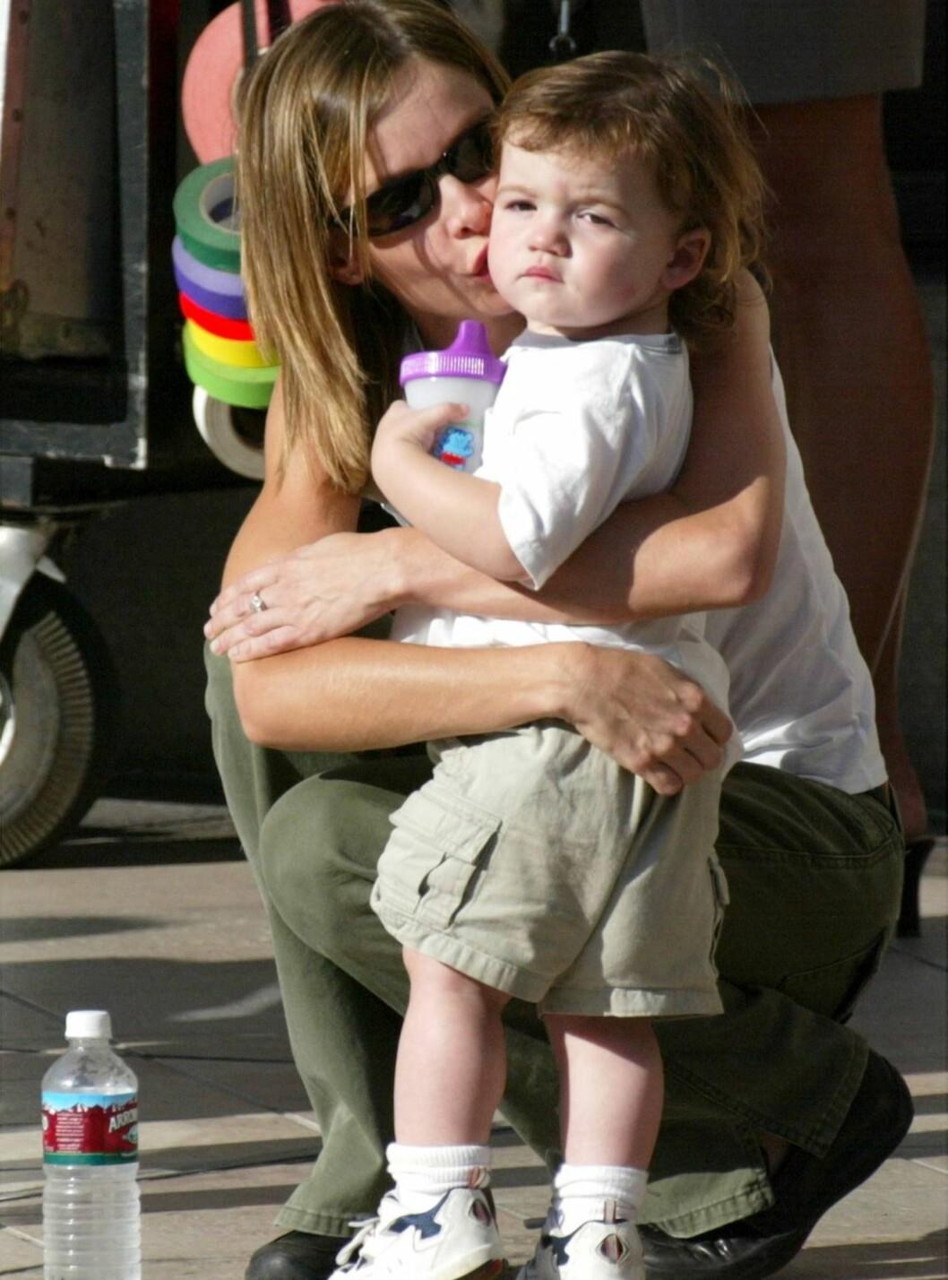 <strong>BARNEKJÆR:</strong> Calista med adoptivsønnen Liam (5). Får hun flere barn med Harrison? Foto: All Over Press