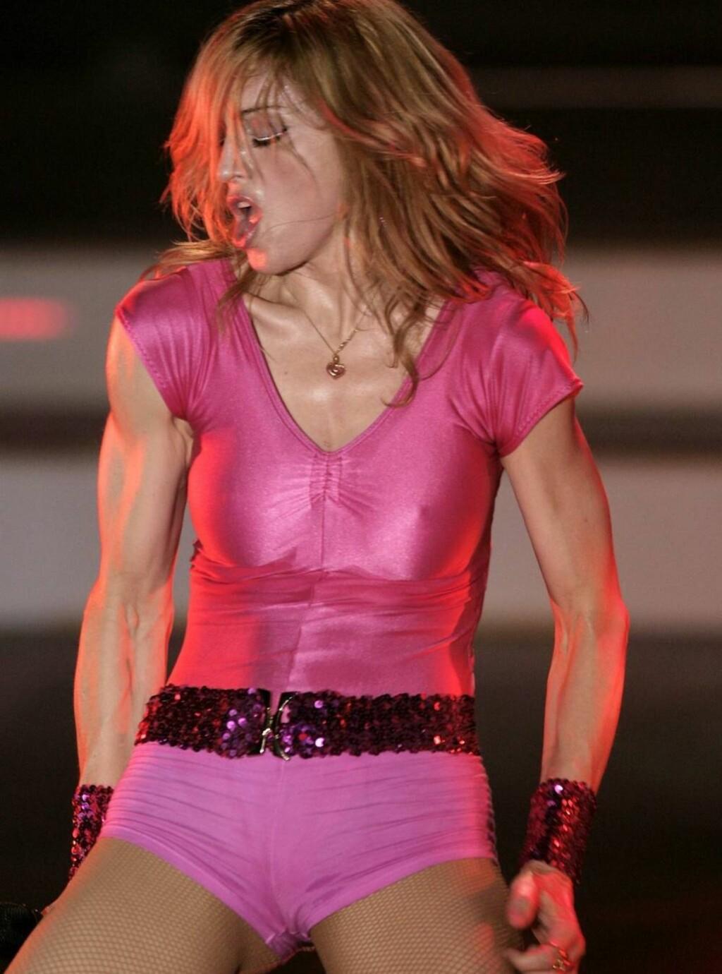 SPREK: Madonna har en figur selv tenåringer misunner henne. Men det koster en god del slit vil vi tro. Foto: All Over Press
