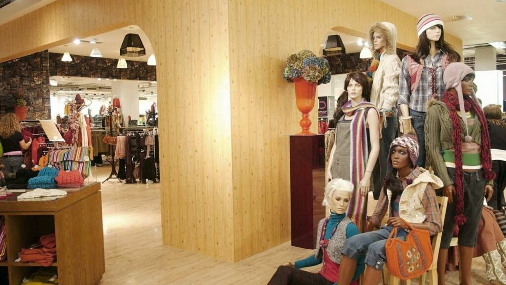 KLÆR NOK: Det er deilig å la andre velge klær for seg i store og uoversiktlige butikklokaler. Foto: Se og Hør