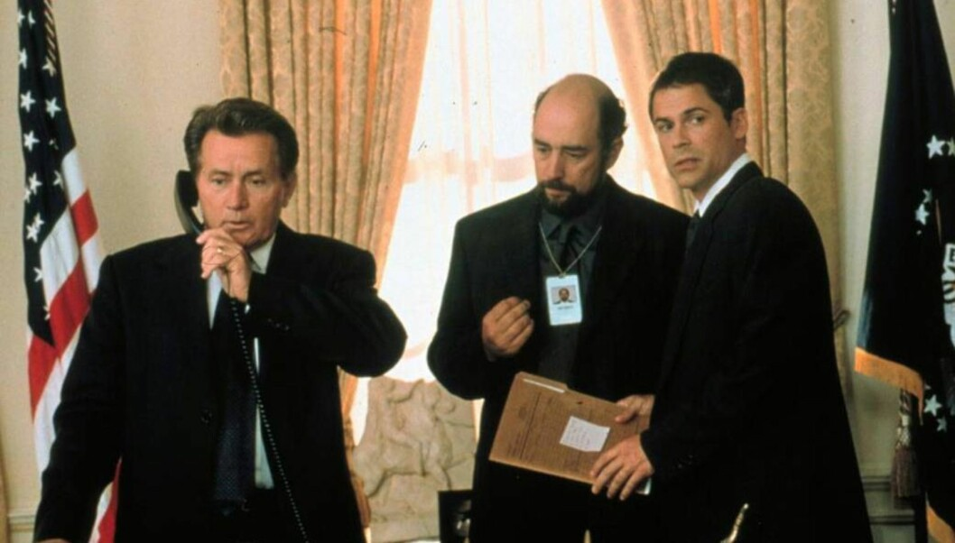<strong>SUKSESS:</strong> Presidenten har vært en stor TV-suksess. Her fra starten med Martin Sheen i tittelrollen, Richard Schiff som Toby og Rob Lowe som Sam. Foto: NRK