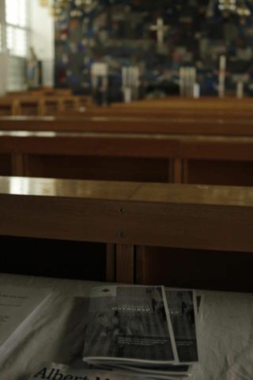 SEKSUELLE OVERGREP: Det er i dag lagt ut informasjonsbrosjyrer om seksuelle overgrep i St. Olavs domkrike i Trondheim i dag. Foto: RON HOLAN