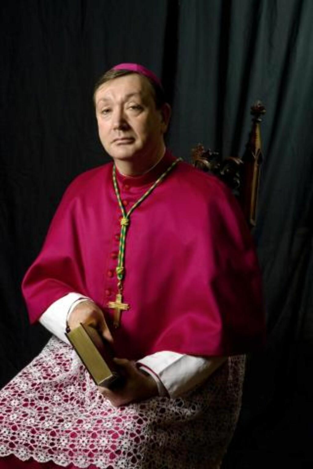 SENDER PENGER: Biskop Bernt Eidsvig (bildet) innrømmer at bispedømmet i Norget fremdeles utbetaler over 8000 kroner i måneden til Georg Müller. Foto: katolsk.no